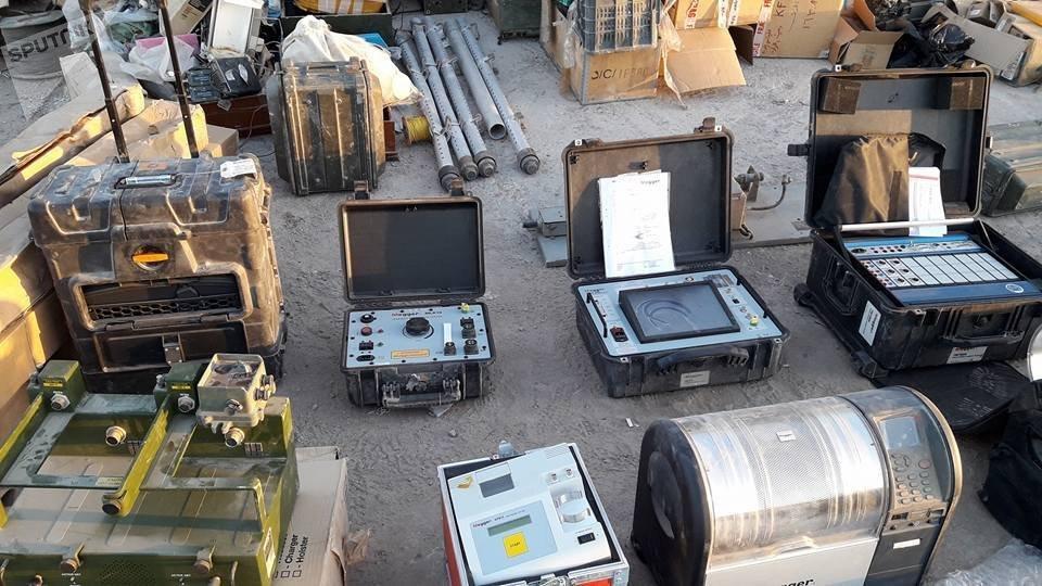 El equipamiento encontrado en los almacenes de armas de los terroristas en Deir Ezzor