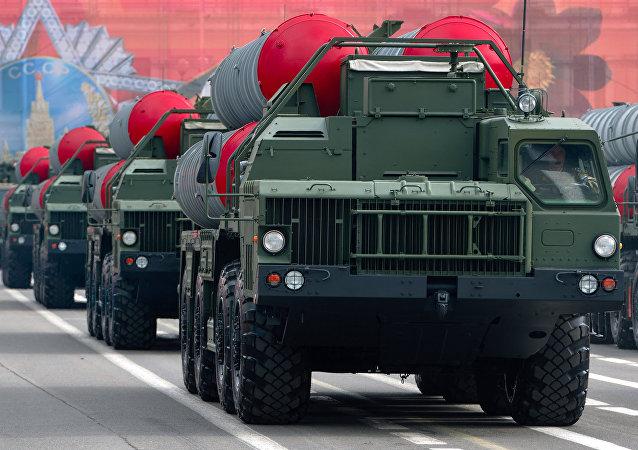 Los sistemas rusos S-400 Triumf (imagen referencial)