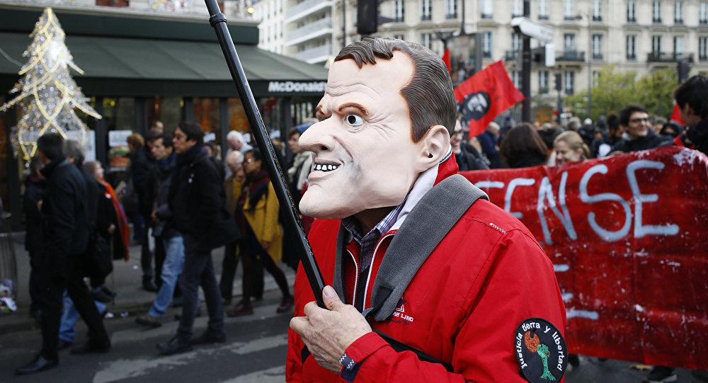 Protesta contra las reformas impulsadas por el presidente francés, Emmanuel Macron, París, Francia, 16 de noviembre de 2017