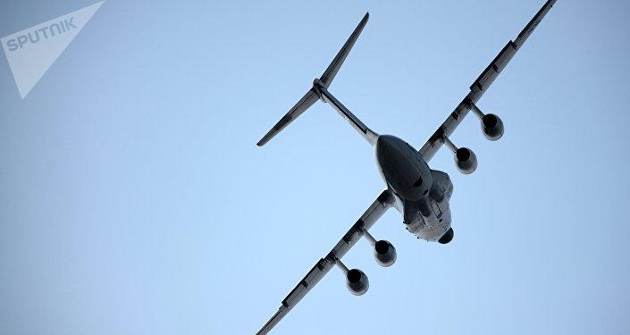 El avión de transporte Ilyushin Il-76MD-90A (archivo)
