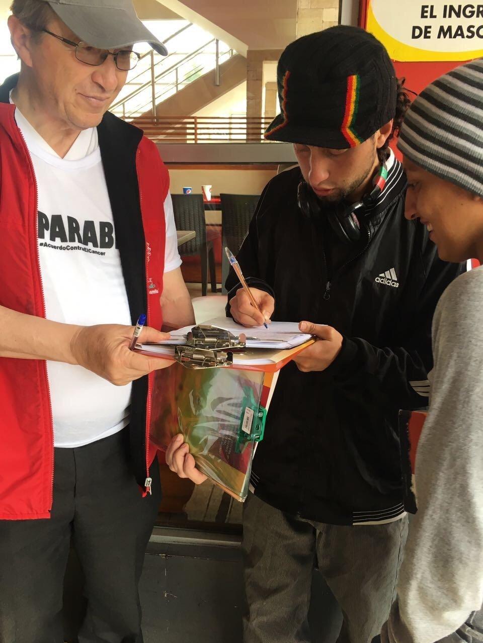 Miles de voluntarios recorrieron el país con el fin de lograr las firmas que necesita el proyecto de ley para ser aprobado por el Consejo Nacional Electoral.