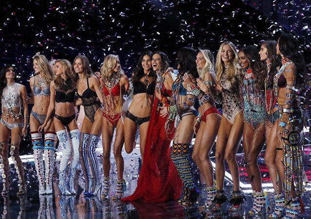 Los ángeles de Victoria's Secret bajan a la Tierra