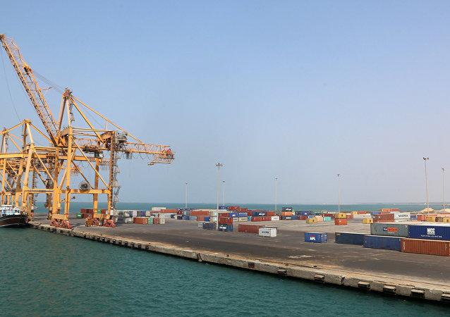 Puerto de Hodeida en Yemen