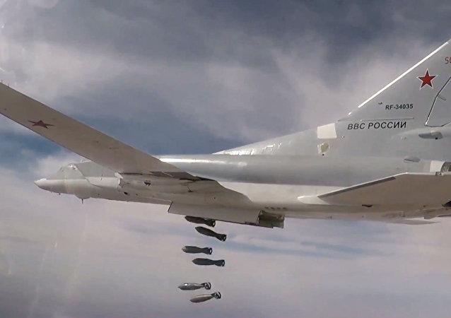 Bombarderos rusos atacan objetivos terroristas en Siria