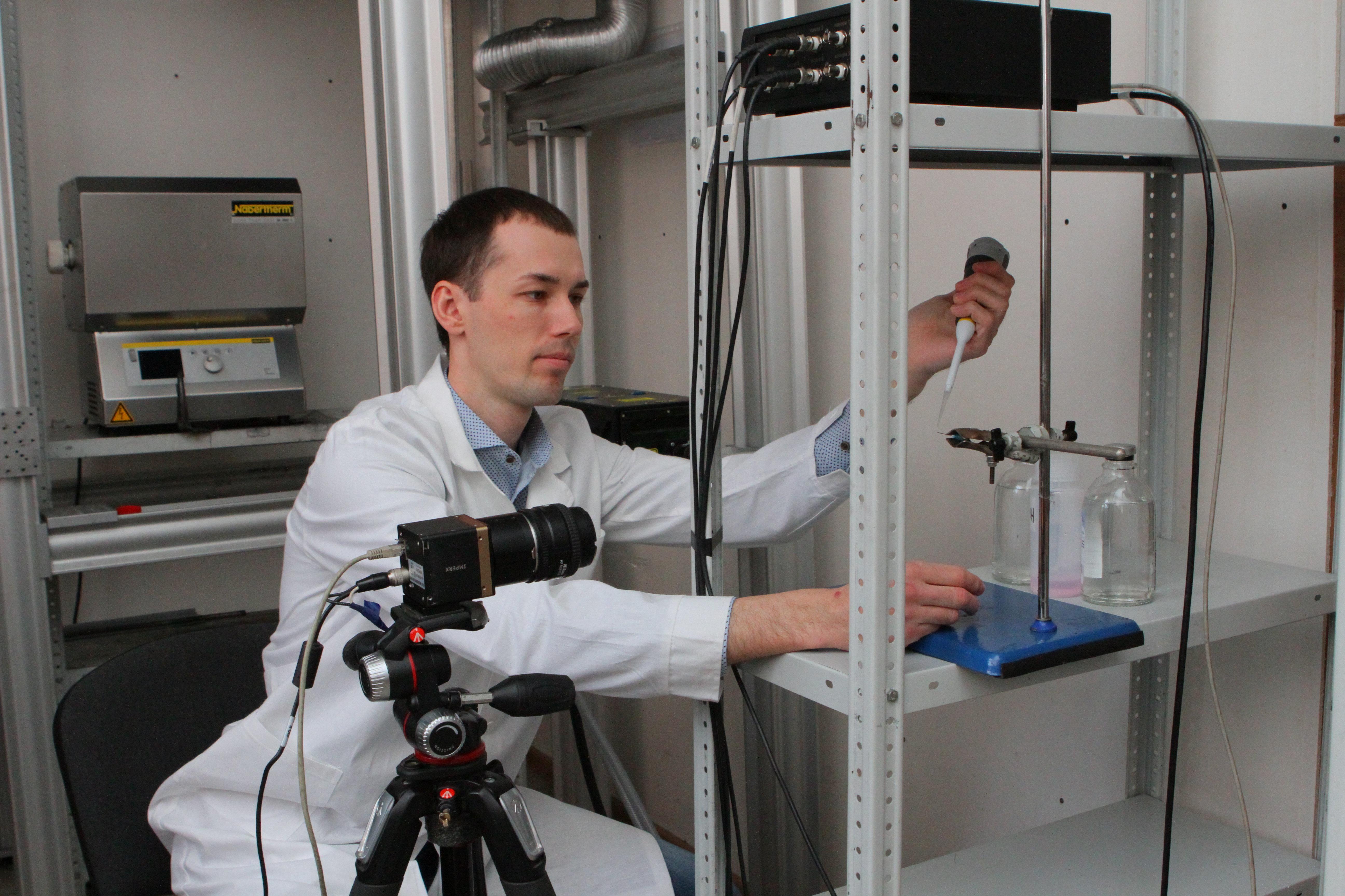 Dmitri Glushkov, profesor de la cátedra de automatización de procesos termoenergéticos de la TPU