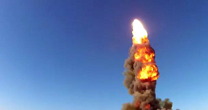 Lanzamiento de un misil desde Sari Shagán (Kazajistán)