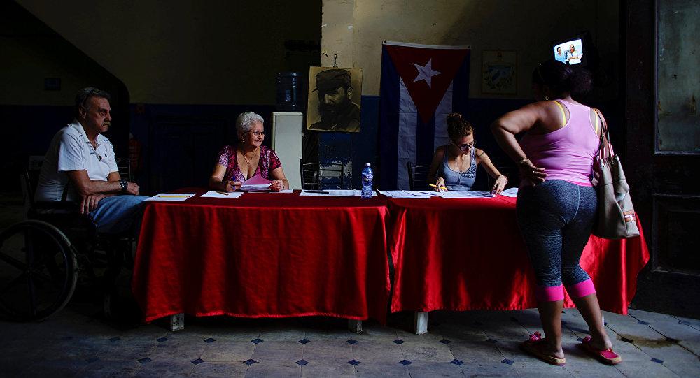 Un colegio electoral en La Habana