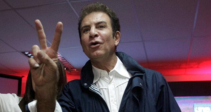 Salvador Nasralla, el candidato presidencial hondureño por el partido Alianza de la Oposición