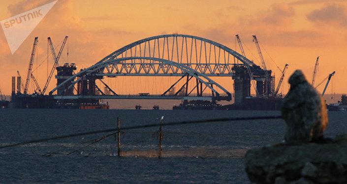 La construcción del puente de Crimea (archivo)
