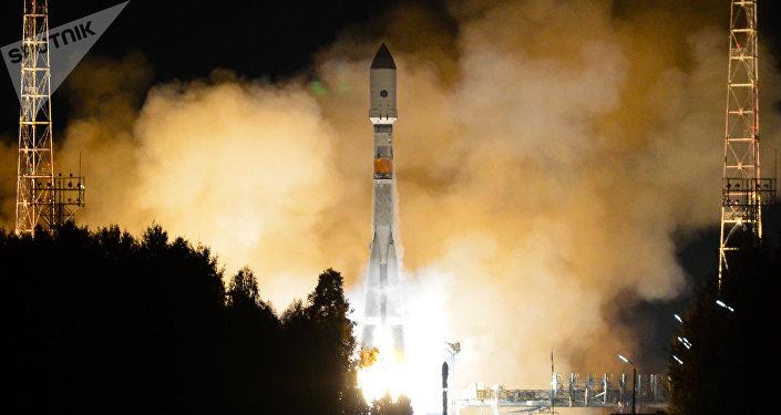 Lanzamiento del cohete portador Soyuz 2.1b con satélite Glonass-M a bordo (archivo)