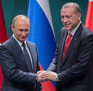 Vladímir Putin, presidente de Rusia (izda.) y Recep Tayyip Erdogan, presidente de Turquía (drcha.), Archivo