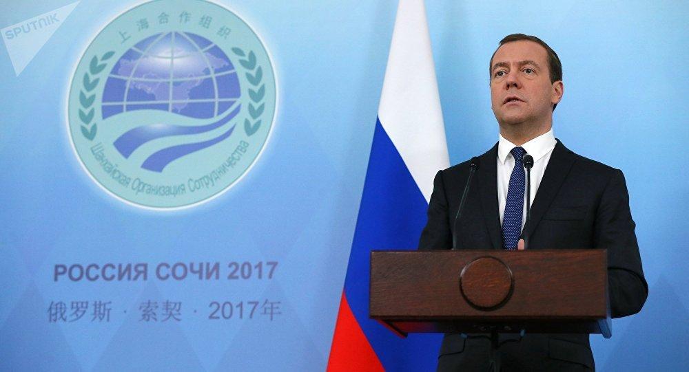 Dmitri Medvédev, el primer ministro ruso durante la cumbre de la OCS
