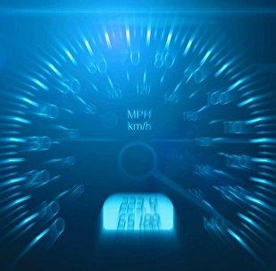 El velocímetro de un automóvil