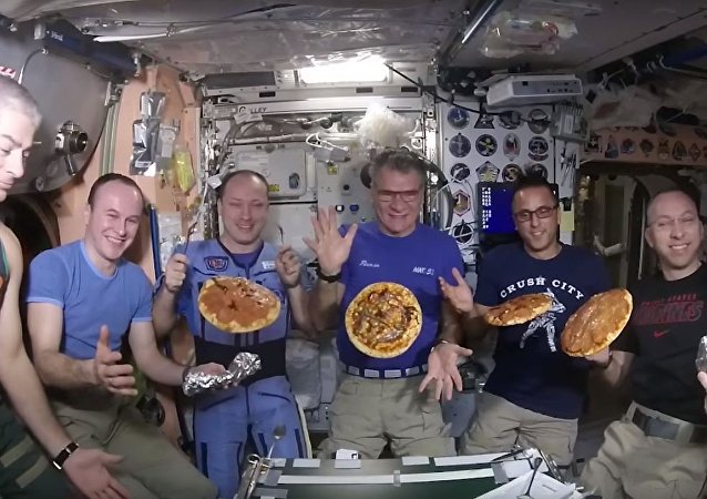Pizza en la Estación Espacial Internacional
