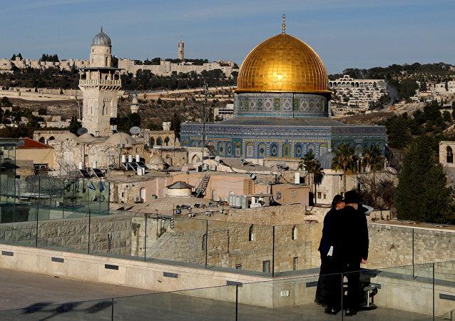 Domo de la Roca en la Explanada de las Mezquitas, Jerusalén.