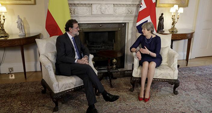 Mariano Rajoy, presidente del Gobierno  de España, y Theresa May, primera ministra del Reino Unido