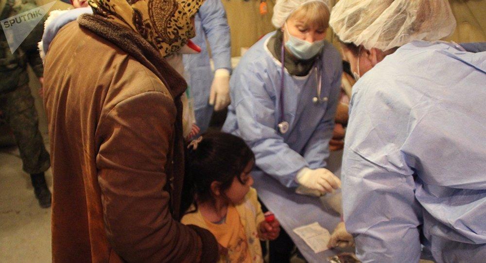 Médicos rusos ayudan a los civiles sirios en Alepo