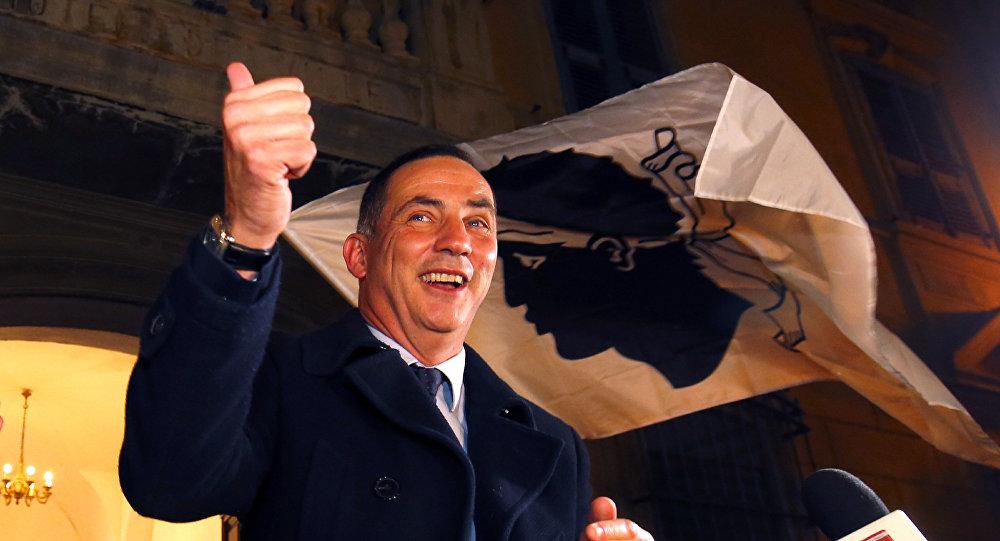 Gilles Simeoni, candidato de Pè a Córsica