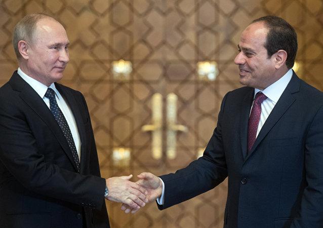 Vladímir Putin, presidente de Rusia, y Abdelfatah Sisi, presidente de Egipto (archivo)