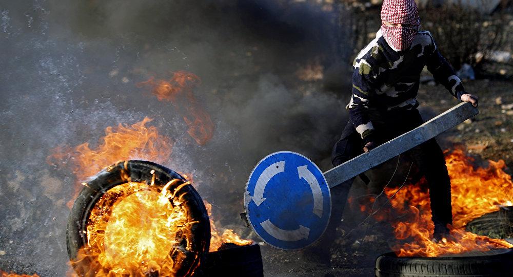 Represión israelí deja 2 palestinos fallecidos y cientos de heridos