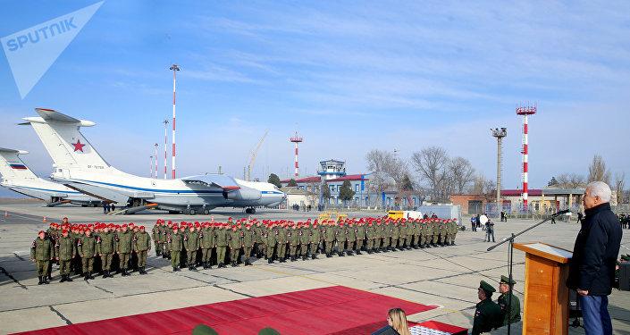 Los empleados de la Policía Militar a su regreso de Siria en Majachkalá, capital de Daguestán