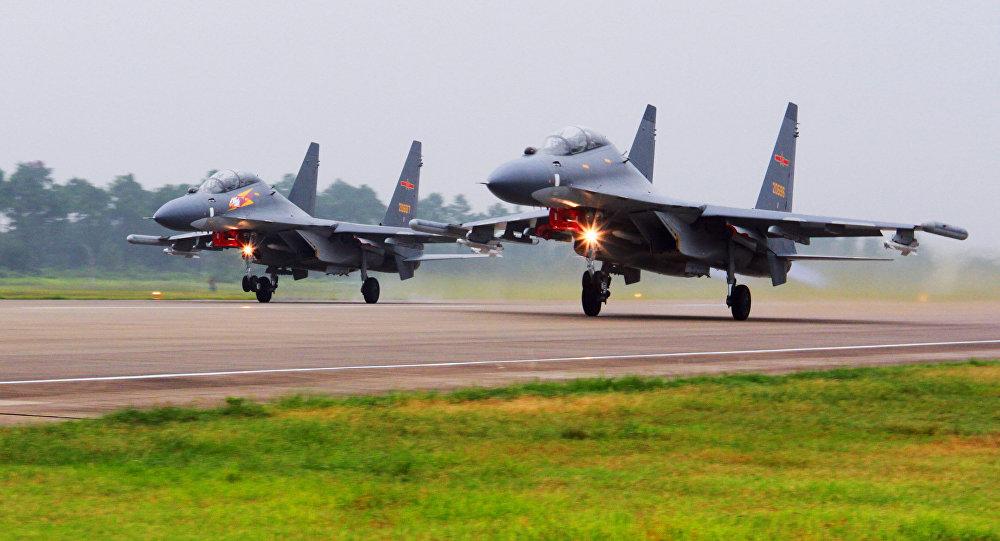 Los cazas chinos Su-30 (archivo)