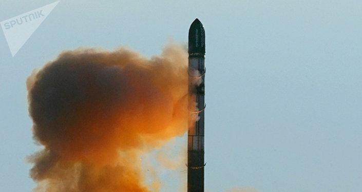 El misil balístico ruso-soviético RS-20 Voevoda