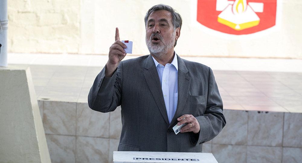 Alejandro Guillier, el candidato oficialista a la presidencia de Chile