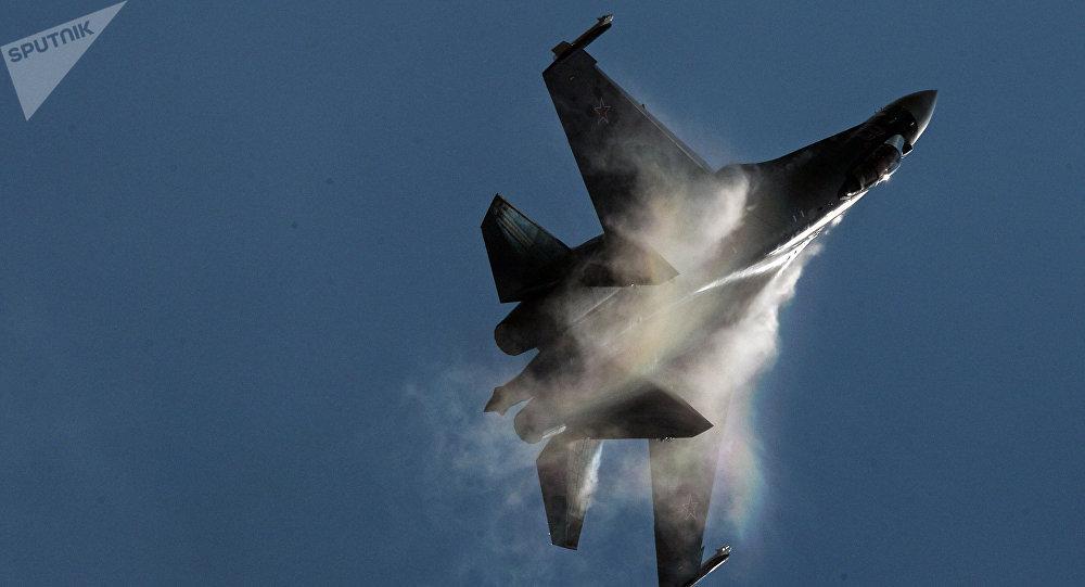 Caza Su-35 (imagen referencial)