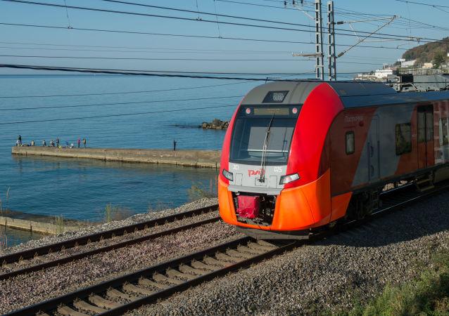 El tren de la empresa ferroviaria rusa, RZhD
