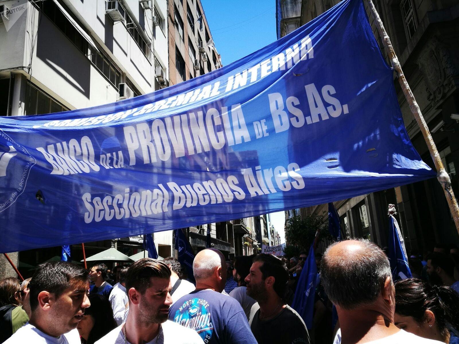 Presidente de Argentina afirma que la violencia ante el Congreso estuvo
