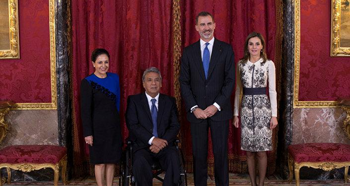 El rey Felipe VI de España y la reina Letizia junto al presidente de Ecuador, Lenín Moreno y su esposa Rocío González