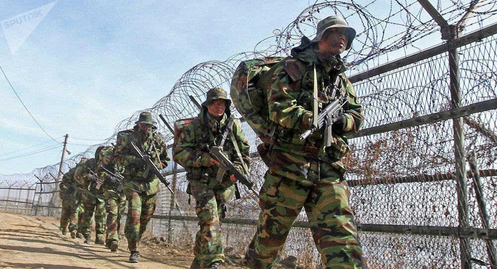 Maniobras conjuntas de EEUU y Corea del Sur en la frontera con Corea del Norte (archivo)