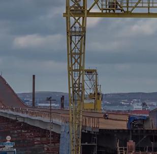 La instalación del puente de Crimea, en un insólito 'time-lapse'