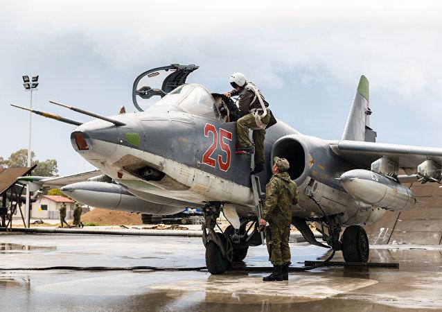 Aviones rusos en la base de Hmeymim, foto de archivo