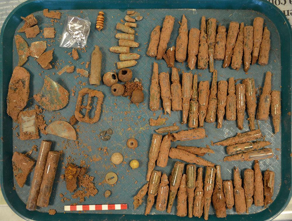 Objetos encontrados en las ruinas de Teyú Cuaré, el supuesto refugio nazi en Misiones, Argentina