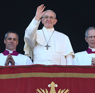El papa Francisco pronuncia el mensaje 'Urbi et Orbi' en la Basílica de San Pedro
