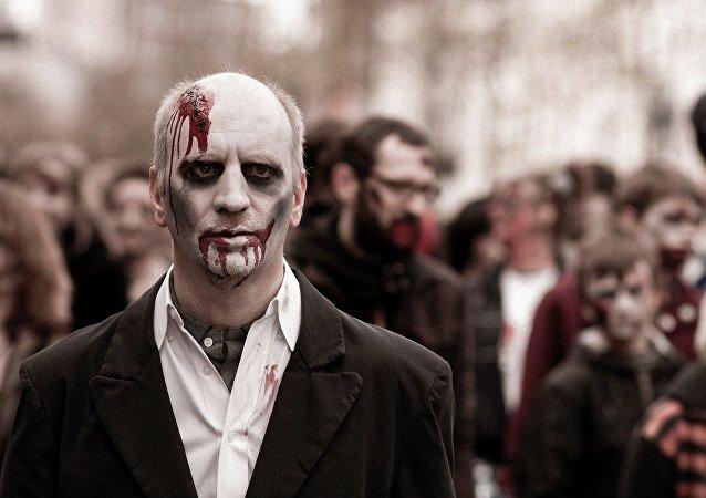 Un hombre disfrazado de zombi (imagen ilustrativa)