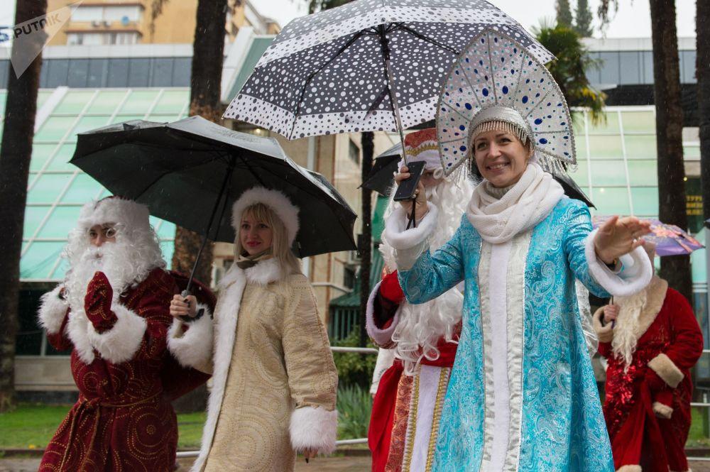 'Nievecillas' rusas: así son las hermosas ayudantes de Papá Noel