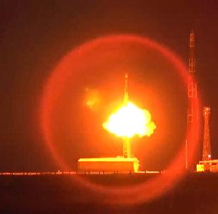 Rusia ensaya el misil balístico intercontinental Topol (archivo)
