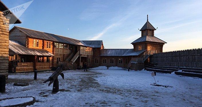 La recreación de un 'ostrog' —aldea fortificada— de los primeros rusos en Siberia, abierta en la ciudad periférica de Yalutorovsk