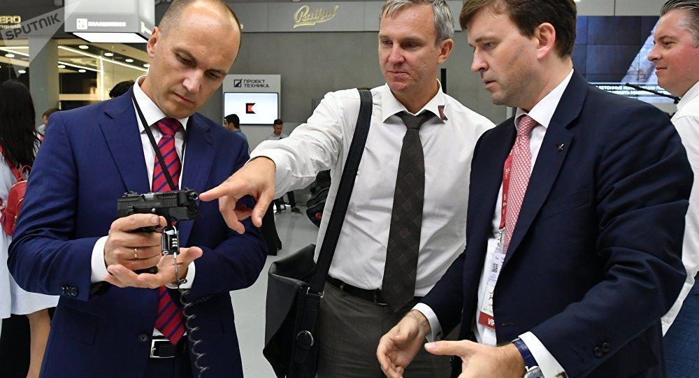 La empresa rusa Kalashnikov presenta la pistola modernizada Viking-M