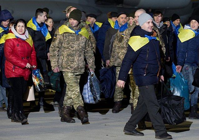 El intercambio de prisioneros entre Kiev y las autoproclamadas repúblicas en la región de Donbás