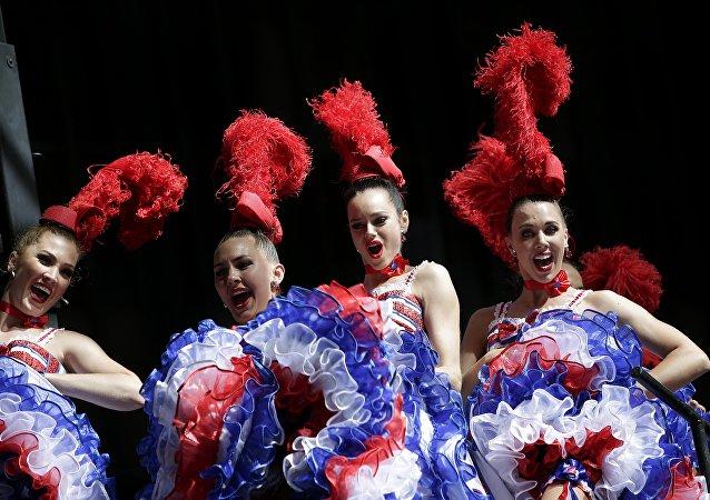 Bailadoras frenceses de Moulin Rouge (imagen referencial)