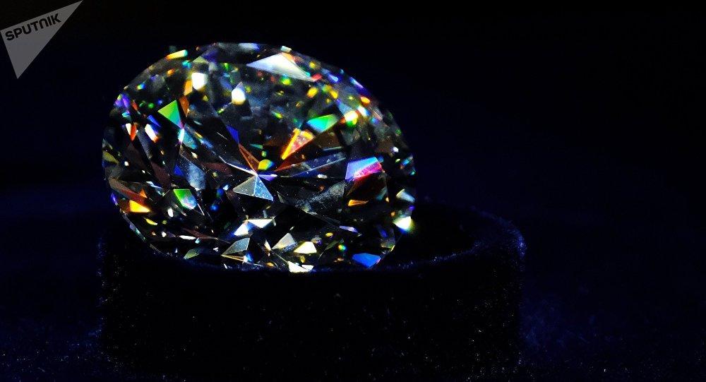 Encuentran uno de los diamantes más grandes de la historia