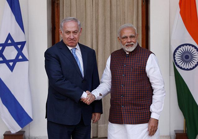 El primer ministro israelí, Benjamín Netanyahu, y su homólogo indio, Narendra Modi