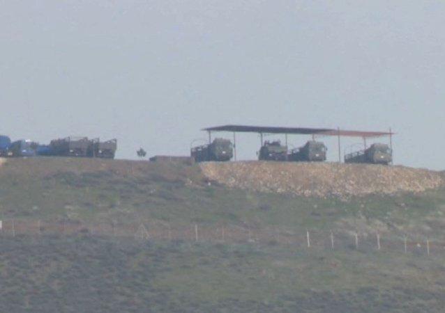 Turquía desplaza misiles en la frontera con Siria