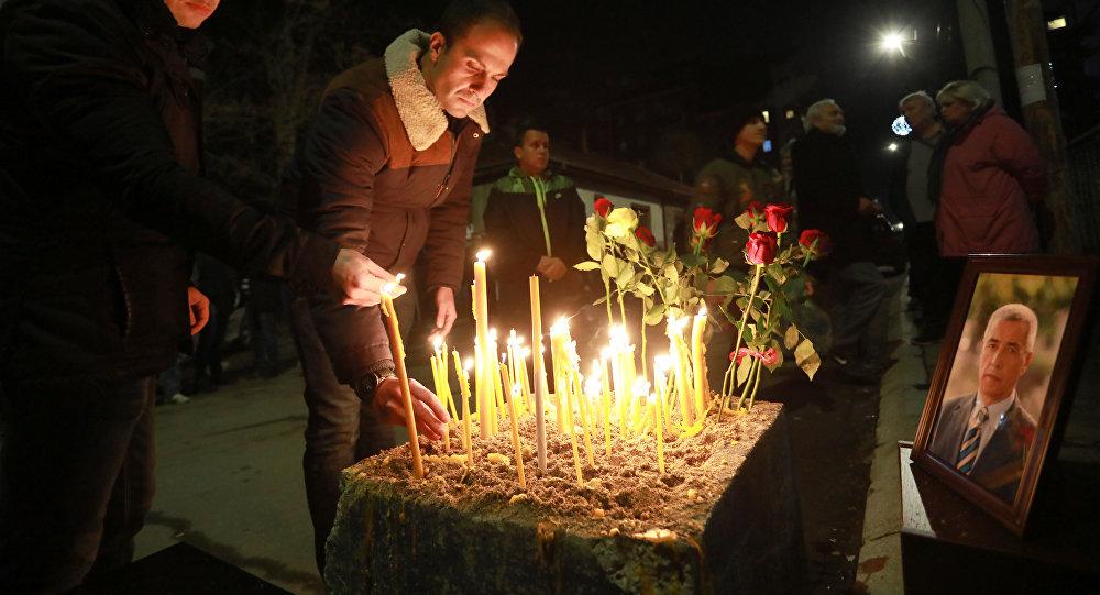 Homenaje al político serbio Oliver Ivanovic