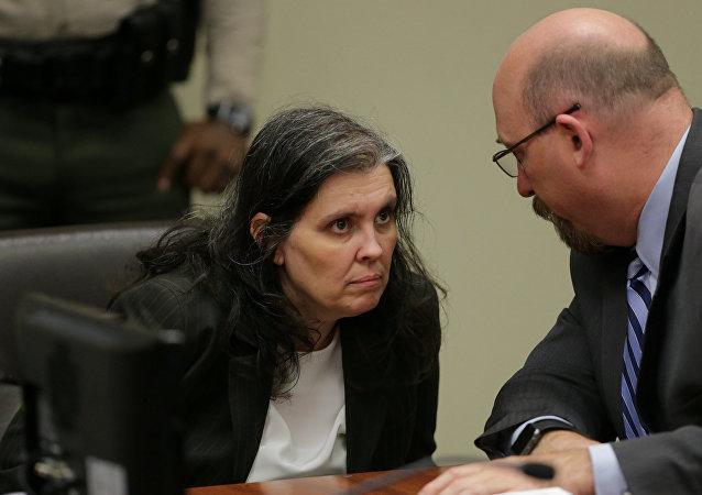 Louse Turpin con su abogado