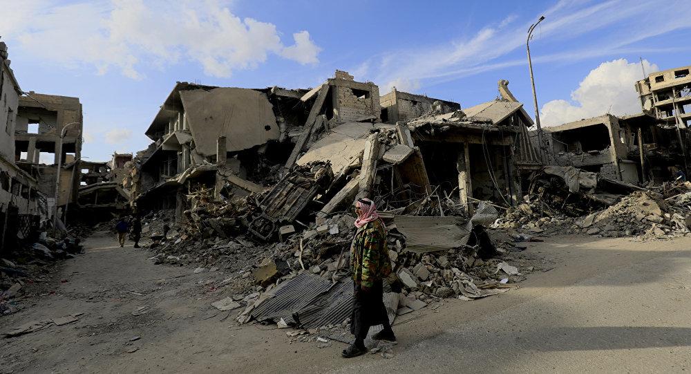 Edificios destruidos en Al Raqa, Siria, tras una operación apoyada por los aviones de EEUU